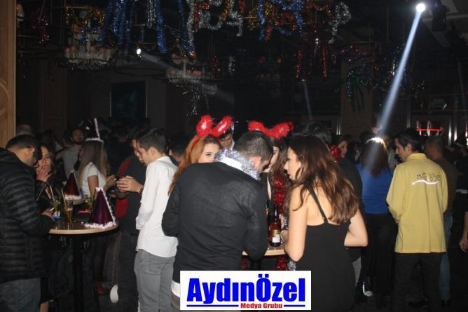 Club Gece'de Yılbaşı Eğlencesi galerisi resim 2