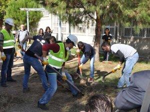 OKT Çalışanları Cumhuriyet Bayramını Okulda Çalışarak Kutladı