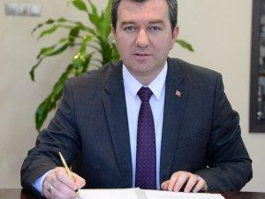 Başkan Koştu'dan 'Biz Bize Yeteriz Türkiyem' kampanyasına maaş bağışı