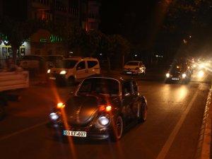 Efeler'de 19 Mayıs Akşamı Renkli Görüntüler