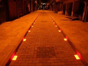 Efeler'in Yeni Sokakları Işıl Işıl