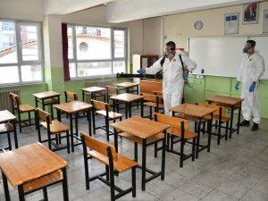 Sınav Öncesi Okullarda Temizlik ve İlaçlama