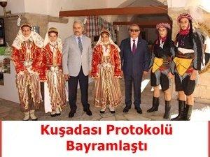 KUŞADASI PROTOKOLÜ RAMAZAN BAYRAMI'NI KUTLADI