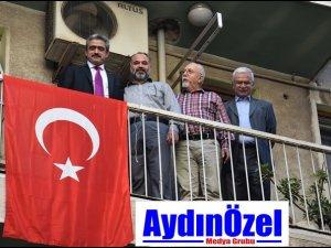 Başkan Alıcık, Bayrak sevdamız bitmeyecek bir sevda!..