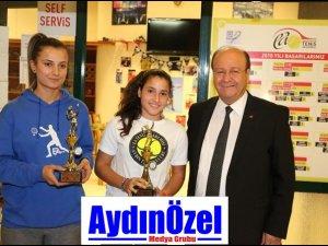 Cumhuriyet Kupası Tenis Turnuvası Ödül Töreni Yapıldı