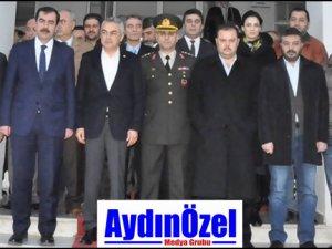 Ak Parti'den Asker ve Polis'e Moral Ziyareti