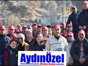 İncirliova'da Ballı Kaya'ya Türk Bayrağı Dikildi
