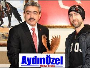 Beşiktaşlı Çarşı Esnafından Yeni Yıl Hediyesi
