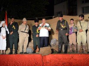 Çanakkale Oyunu Karacasu'da Sahnelendi