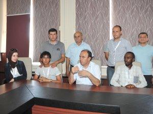Yabancı Öğrenciler Prof. Dr. Recai TUNCA'yı Ziyaret Etti