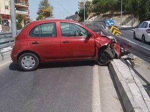 Kuşadası Yeni  Yapılan Yol Kavşagında  Kaza