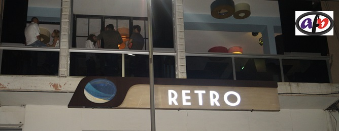 Retro Cafe&Bar:Sıcak ve samimi ortam.