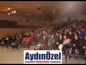 """GERMENCİK'TE """"KİRALIK SAHNE"""" OYUNUNA BÜYÜK İLGİ"""