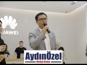 HUAWEI'nin İlk Deneyim Mağazası İzmir'de Açıldı