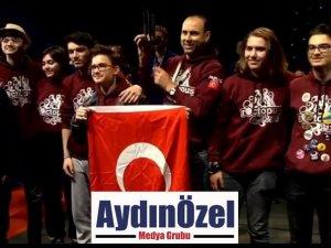 Mezun Öğrencilerimiz Kanada'da Türkiye'yi Temsil Etti