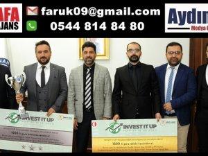 Sanal Borsa Şampiyonlarından Rektöre Ziyaret