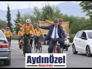 Başkan Atay, 2 Tekerlekli Makam Aracında