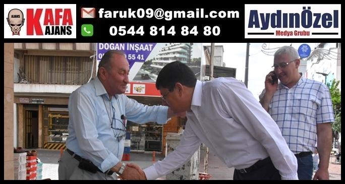 Başkan Özcan Esnafla Kucaklaştı