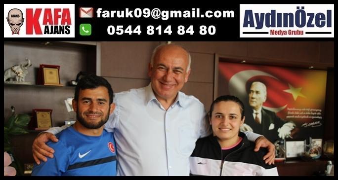 Söke'nin iki Başarılı İşitme Engelli Sporcusu Talayhanlar'dan Başkan Tuncel'e Ziyaret