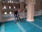 Efeler'de Camiler Cuma Namazı İçin Temizleniyor