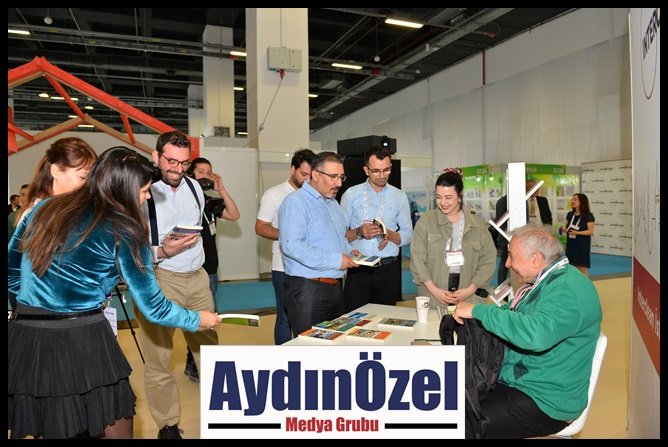 1555321727_prof.dr.orhan_kural_kitap_imza-(1).jpg